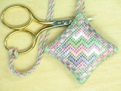 13. Lavender Easy Scissor Keeper