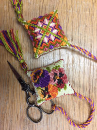 Moroccan Pansies Scissor Keeper